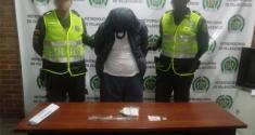 Fueron sorprendidos por la Policía en flagrancia con los alucinógenos listos para la venta