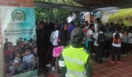 Policía acompaña ingreso a clases de estudiantes en Medellín