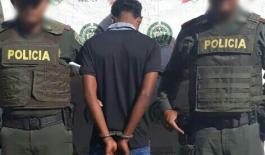 Capturaron a presunto delincuente sindicado de porte ilegal de arma de fuego y municiones.