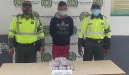 Capturado con marihuana-pasajero de bus con estupefaciente-kilos de marihuana-peaje de Tucurinca-Zona Bananera-plan 100 contra el microtráfico-policía de tránsito