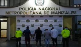 Cuatro hombres fueron capturados en flagrancia por el delito de estafa