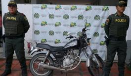 efectúan la recuperación de una motocicleta