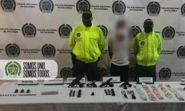 Capturado en poder de 4 armas de fuego, municiones, estupefacientes y dinero en efectivo