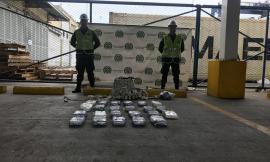 Buzos-de-la-Policía-Antinarcóticos-encontraron-cocaína