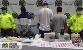 Capturados con un arma de fuego, radios de comunicación y droga en Bello Antioquia