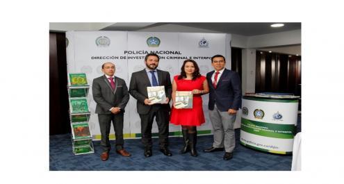 Stand Revista Criminalidad junto al Dr. Jairo García Guerrero, Secretario de Seguridad, Convivencia y Justicia de Bogotá.
