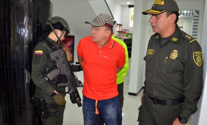 Capturado elkin triana miembro del grupo colegiado la oficina y cabecilla de los triana - Oficina del policia ...