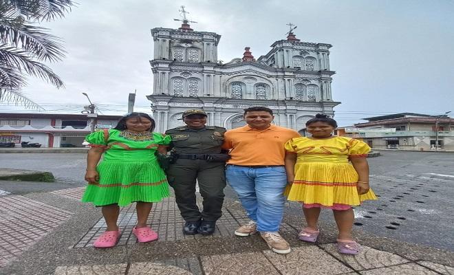 En conmemoración del día de la diversidad étnica y cultural realizamos una chiva tour en Quibdó y conversatorio en Tadó