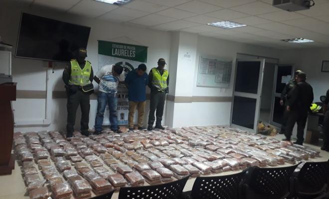 En tractomula recuperada cae cargamento con 25.900 dosis de marihuana en Medellín