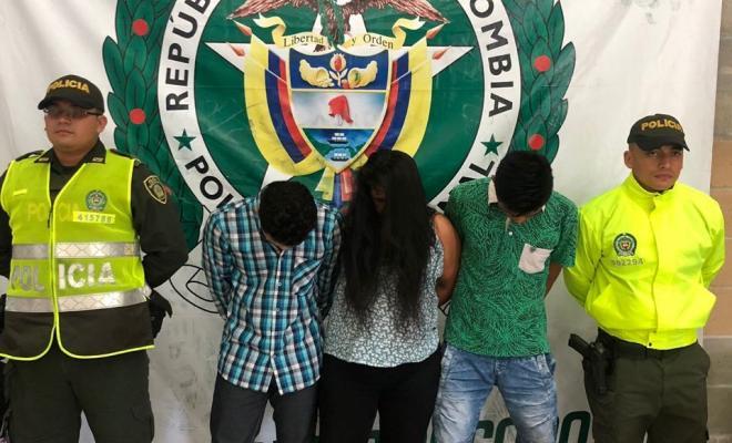 Durante el operativo fueron capturadas tres personas, entre ellas su cabecilla y mayor expendedor del municipio