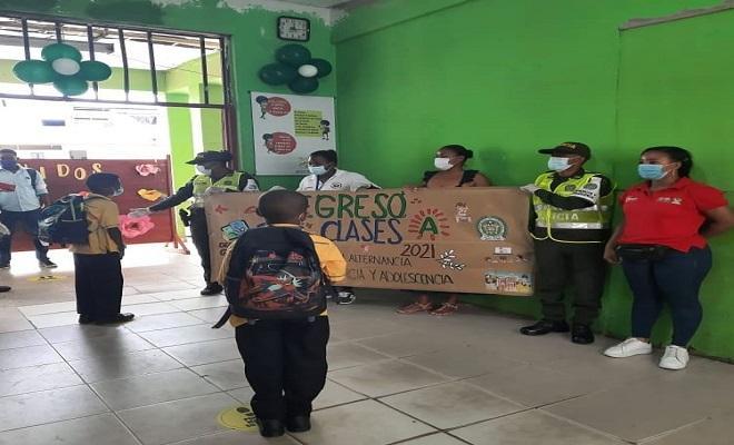 Regreso a clases con la Policía Nacional, en el departamento del Chocó.