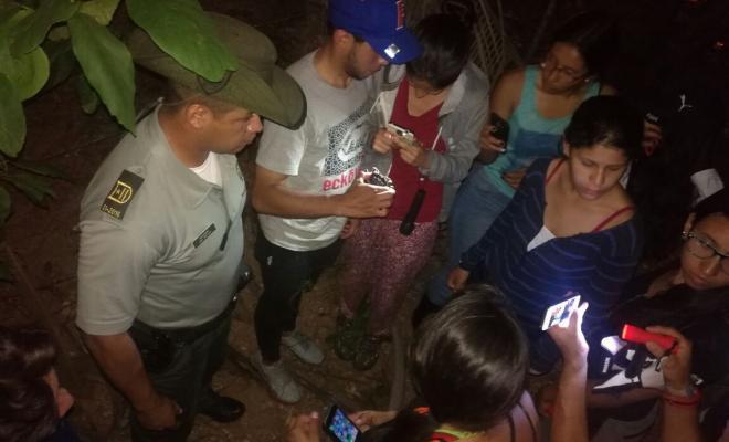 Policía Nacional, Coralina y Fundación Seaflower sensibilizan sobre veda de cangrejo negro